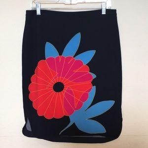 LOFT Petites black skirt w/ large floral print 10P